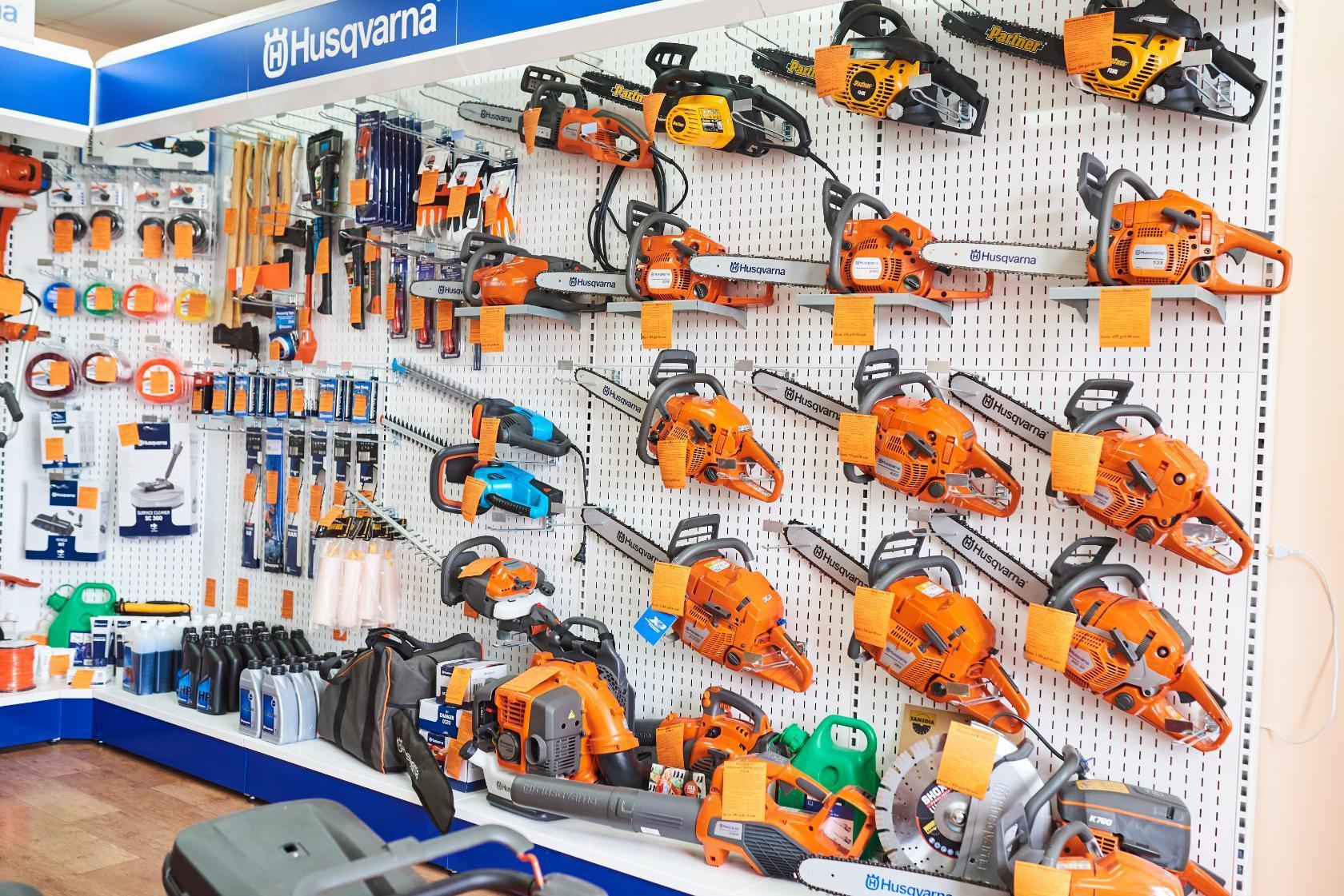 Инструменты в магазине Бензоград